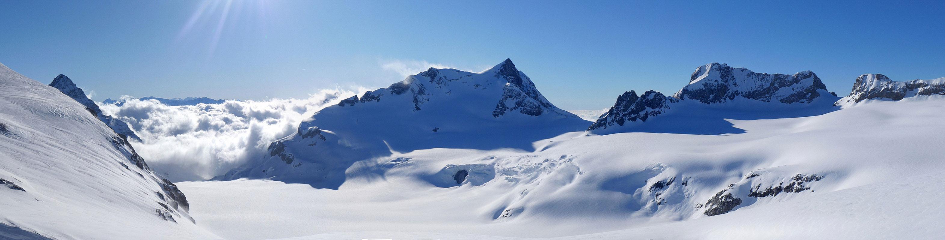 Gross Schärhorn Glarner Alpen Švýcarsko panorama 01