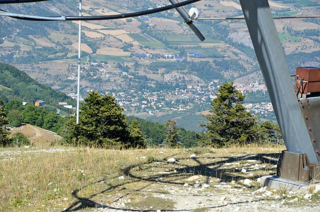La Roche-des-Arnauds vue des hauteurs de Céüse