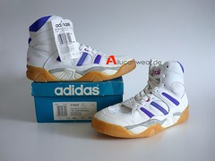 UNWORN 1995 VINTAGE ADIDAS HANDBALL NATIONAL TEAM LADY SPORT SHOES / HI TOPS
