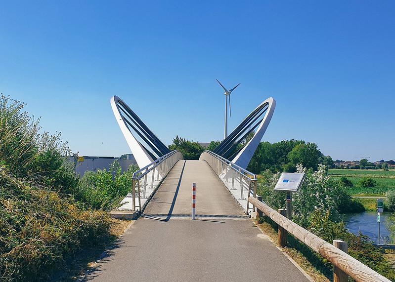 Fiets- en wandelbrug over de Schelde
