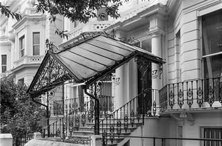 Pembridge Square, Notting Hill,  Kensington & Chelsea, 1987 87-7g-51-positive_2400