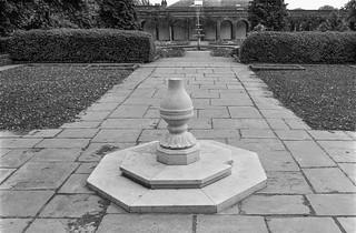 Garden, Holland Park,  Holland Park, Kensington & Chelsea, 1987 87-7f-41-positive_2400
