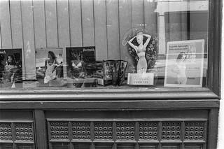 Store St, Camden, 1987 87-7f-32-positive_2400