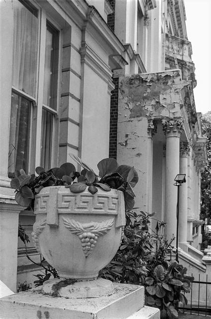 Pembridge Gardens, Notting Hill, Kensington & Chelsea, 1987 87-7f-26-positive_2400