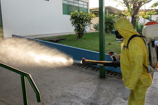Escolas públicas começam a ser higienizadas e desinfectadas
