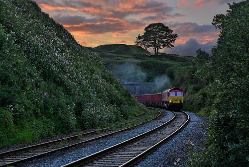 dta1082 uk united kingdom gb great britain england nikon z7 train railway railroad july 2020 sunset dusk dbcargo class66 66192 6h53 eavestunnel barmoorclough chapelenlefrith doveholes buxton derbyshire highpeak peakdistrict ashburys dowlow briggs freight