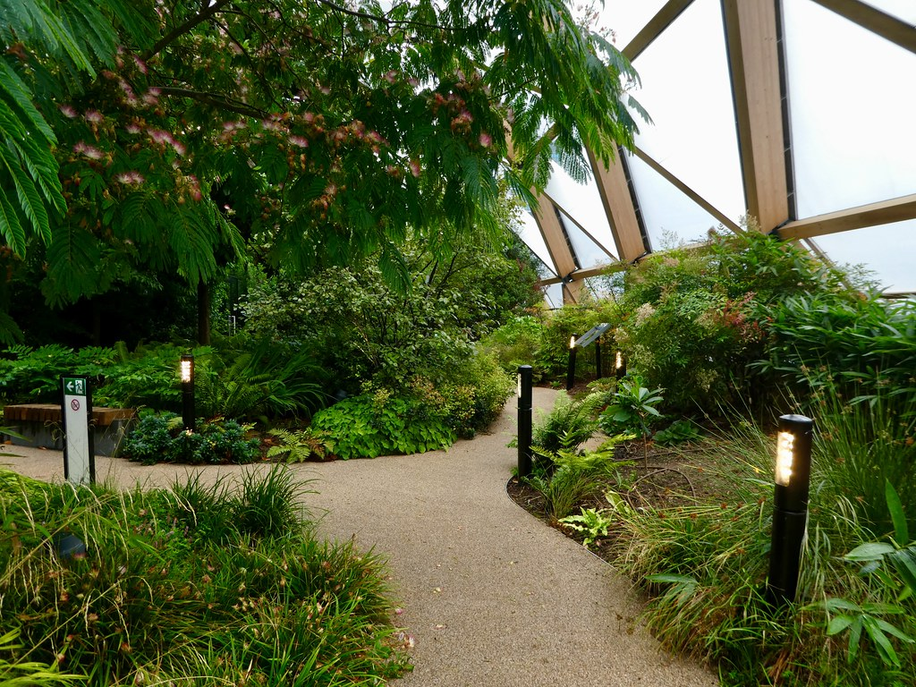 Crossrail Roof Garden, Canary Wharf