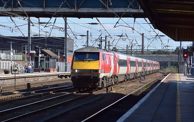 No.25 hurries through Doncaster at the head of 1F24, the 16.00 service from Kings Cross to Edinburgh.17 07 2020