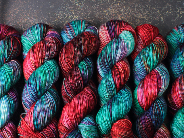 Favourite Sock – pure Merino 4 ply/fingering weight wool superwash hand dyed yarn 100g – 'High Summer'