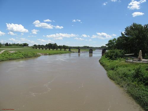 grandforks redriver water waterway river mn minnesota nd northdakota
