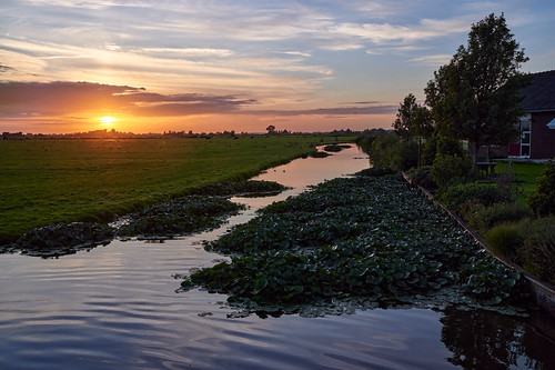 Sunset in Waterland | by Julysha