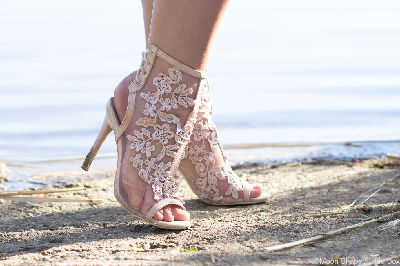 Light-pink-lace-shoes