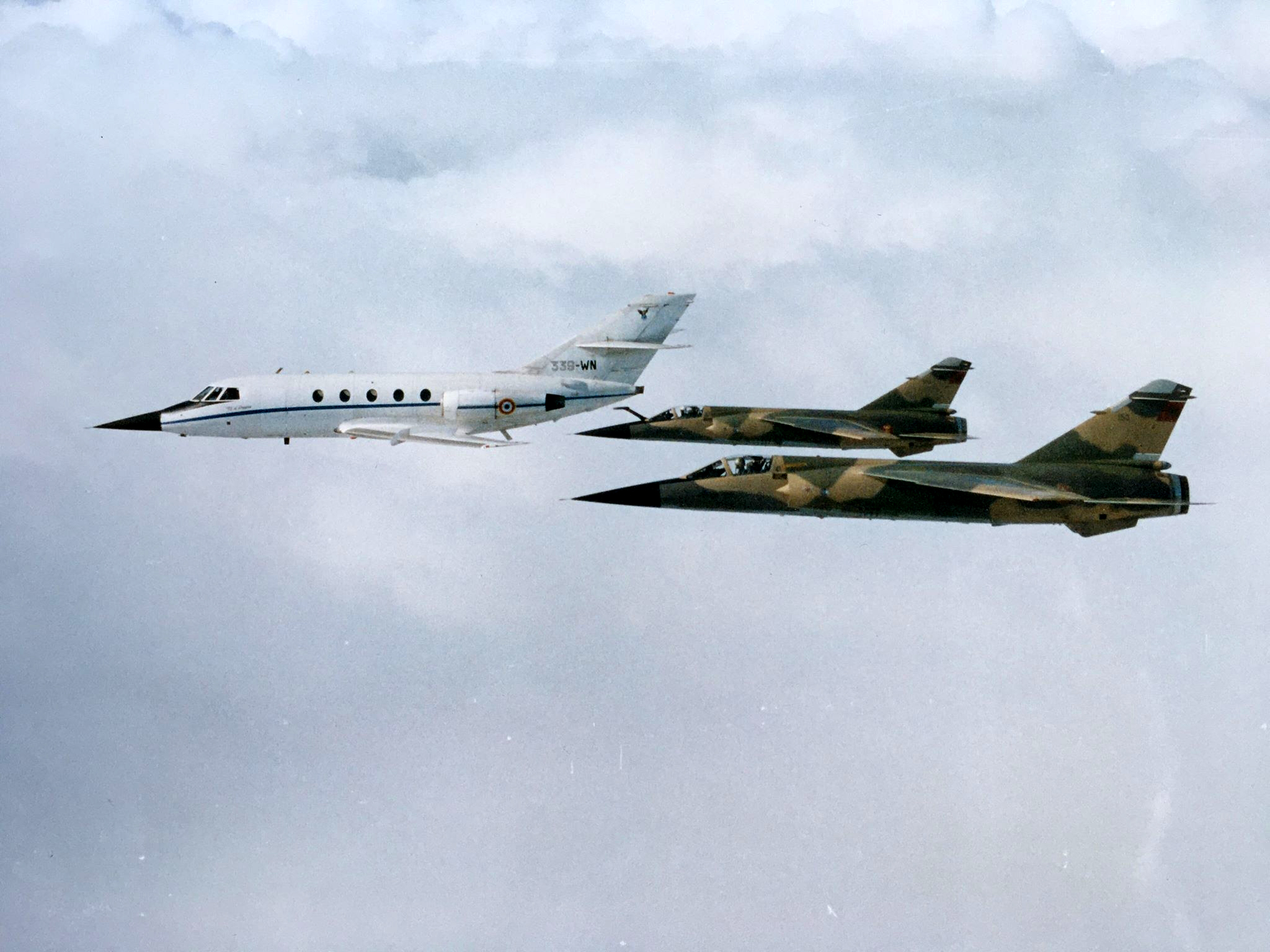 FRA: Photos Mirage F1 - Page 16 50165497147_692be777a2_o_d