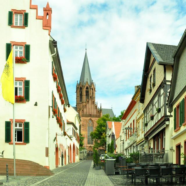 Juli 2020 ... Oppenheim ... Rheinhessisch ... Rathaus ... Katharinenkirche ... Lapidarium ... Granatapfeleis ... Brigitte Stolle