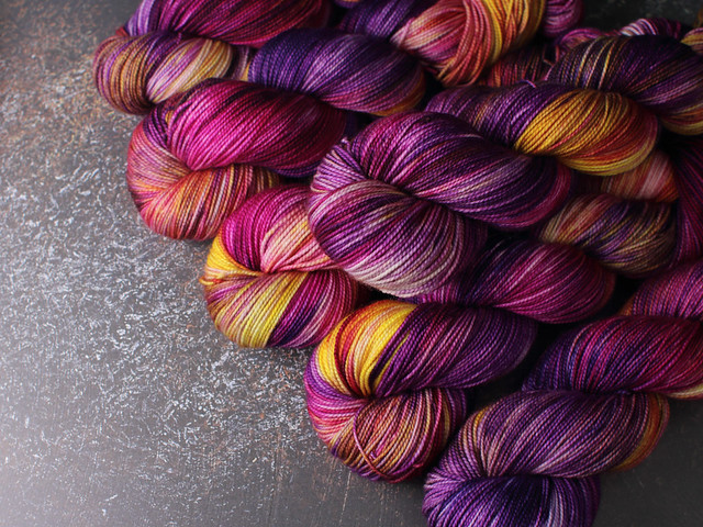 Favourite Sock – pure Merino 4 ply/fingering weight wool superwash hand dyed yarn 100g – Iris 2