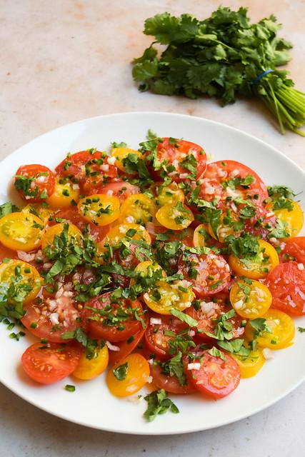 Easy Pico de Gallo Tomato Salad