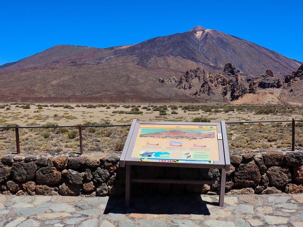 Vista de Teide y Pico Viejo desde el mirador Llano de Ucanca