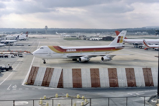 EC-DLD Iberia Boeing 747-256B arrives at London Gatwick on a charter flight