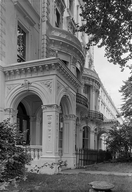 Clifton Gardens, Maida Vale, Westminster, 1987 87-7l-51-positive_2400