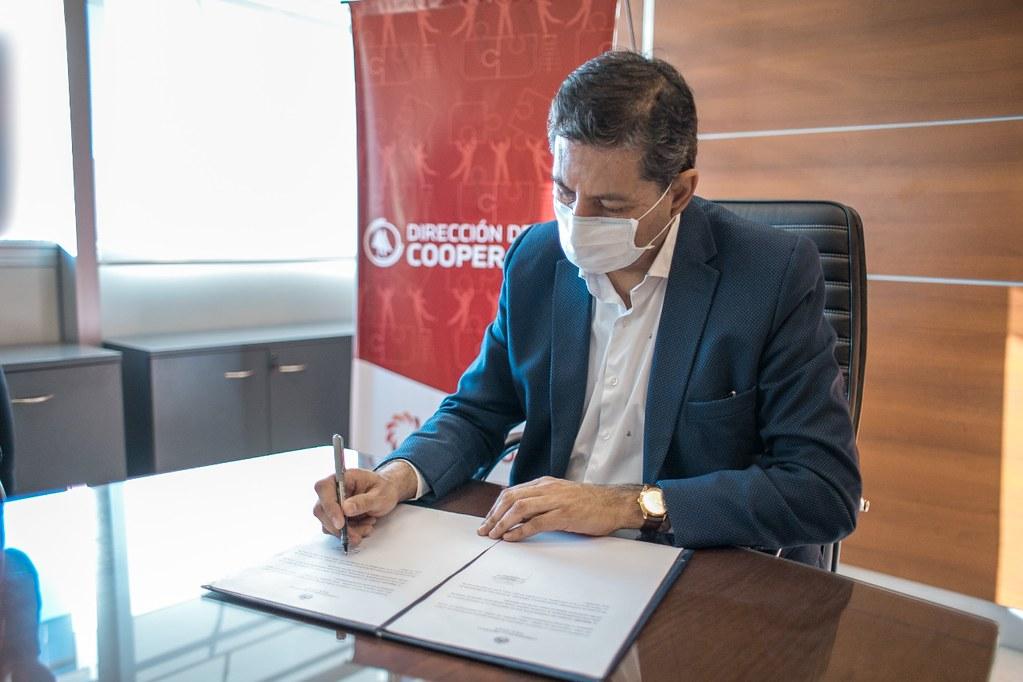 2020-07-29 DESARROLLO HUMANO: Firma convenio con Banco Credicoop