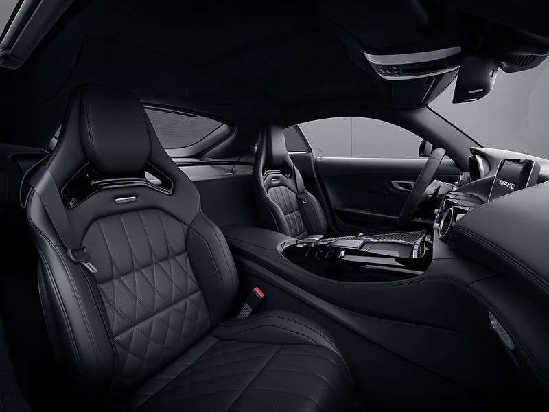 Mercedes-AMG-GT-09