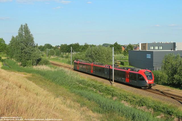 Qbuzz R-Net 6352 - Hardinxveld-Giessendam 30-05-2020.
