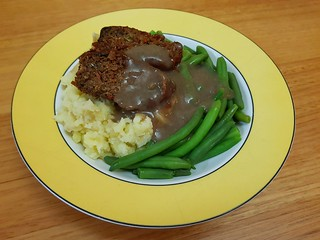 Made With Plants Meatloaf, green beans, mashed potatoes, Just Add Gravy