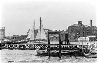 River Thames,  Rotherhithe, Wapping New Stairs,Wapping, Tower Hamlets, 1987 87-7n-31-positive_2400