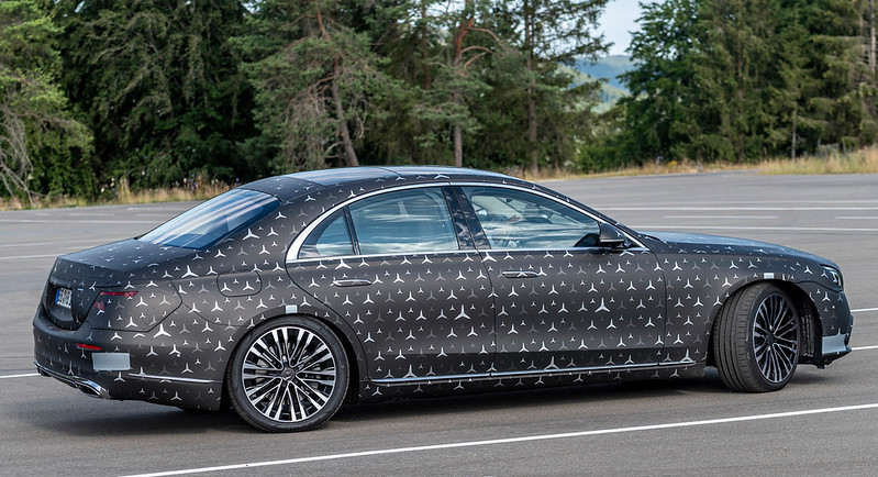 2022-mercedes-s-class-new-details-safety-4