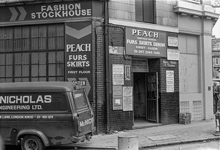 Peach, Fashion, Commercial St,  Spitalfields, Tower Hamlets, 1987 87-7m-21-positive_2400
