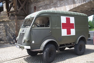 1962 Renault R2087 Rotes Kreuz _c