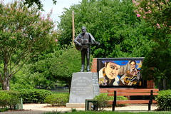 Lefty Frizzell Monument