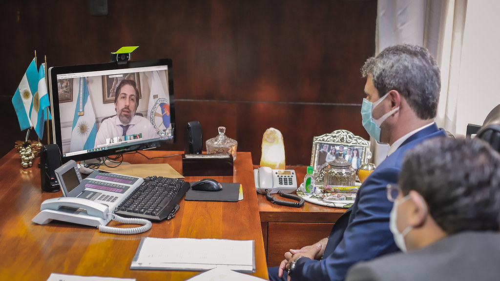 Previo al reinicio gradual de las clases, Uñac mantuvo una videoconferencia con Trotta (4)
