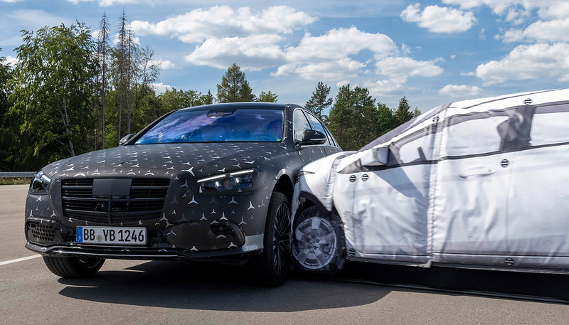 2022-mercedes-s-class-new-details-safety-13