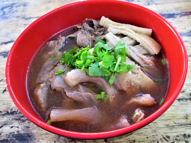 June Cafe beef noodles, cloudy soup
