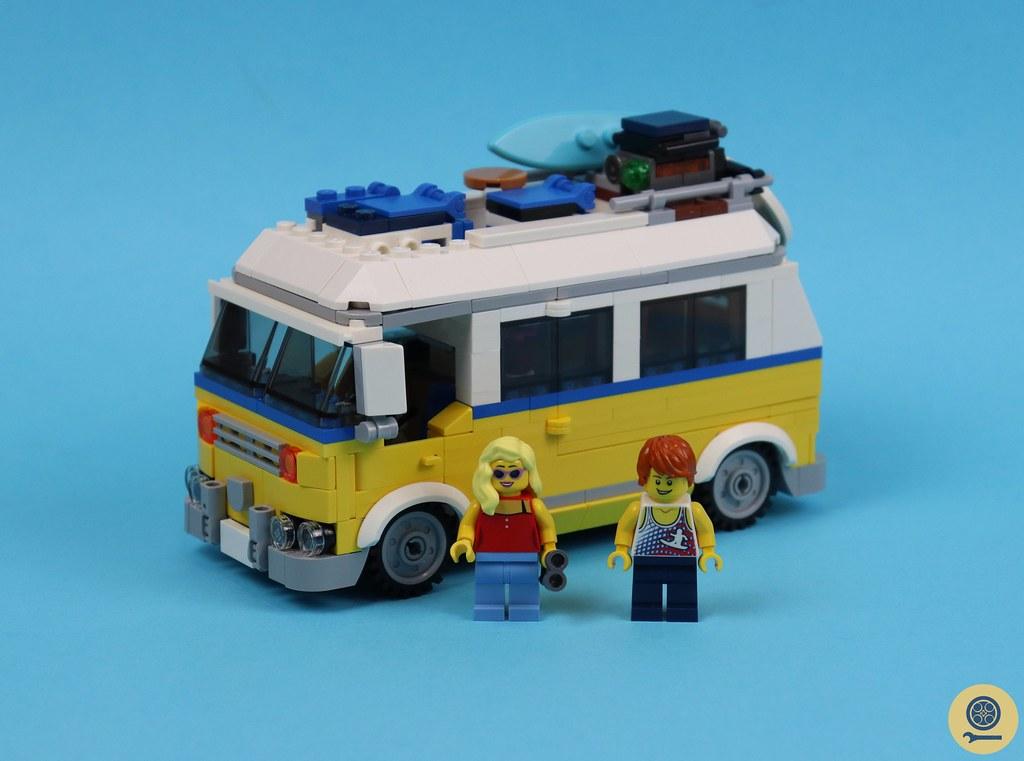 31079 Sunshine Surfer Van 1