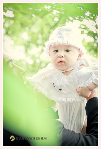 ベビードレスを着てお宮参り 夏 男の子赤ちゃん