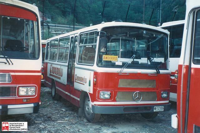 12100 - Mercedes Benz LPO808 (Castro Caride)