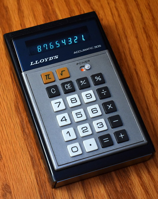 Vintage Lloyd's Accumatic 305 Electronic Pocket Calculator, Model E-305, VFD, Made in Taiwan, Circa 1975 - 1976