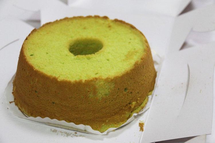 Singapore Pandan Chiffon Cake