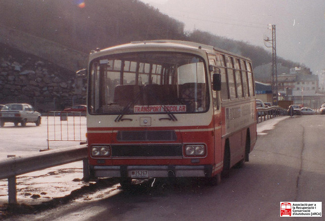 25267 - Mercedes Benz OF1113B (Unicar)