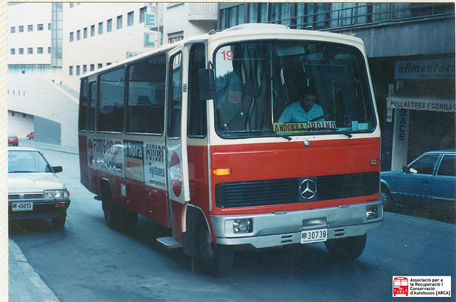 30738 - Mercedes Benz LPO803 (Ciscar)