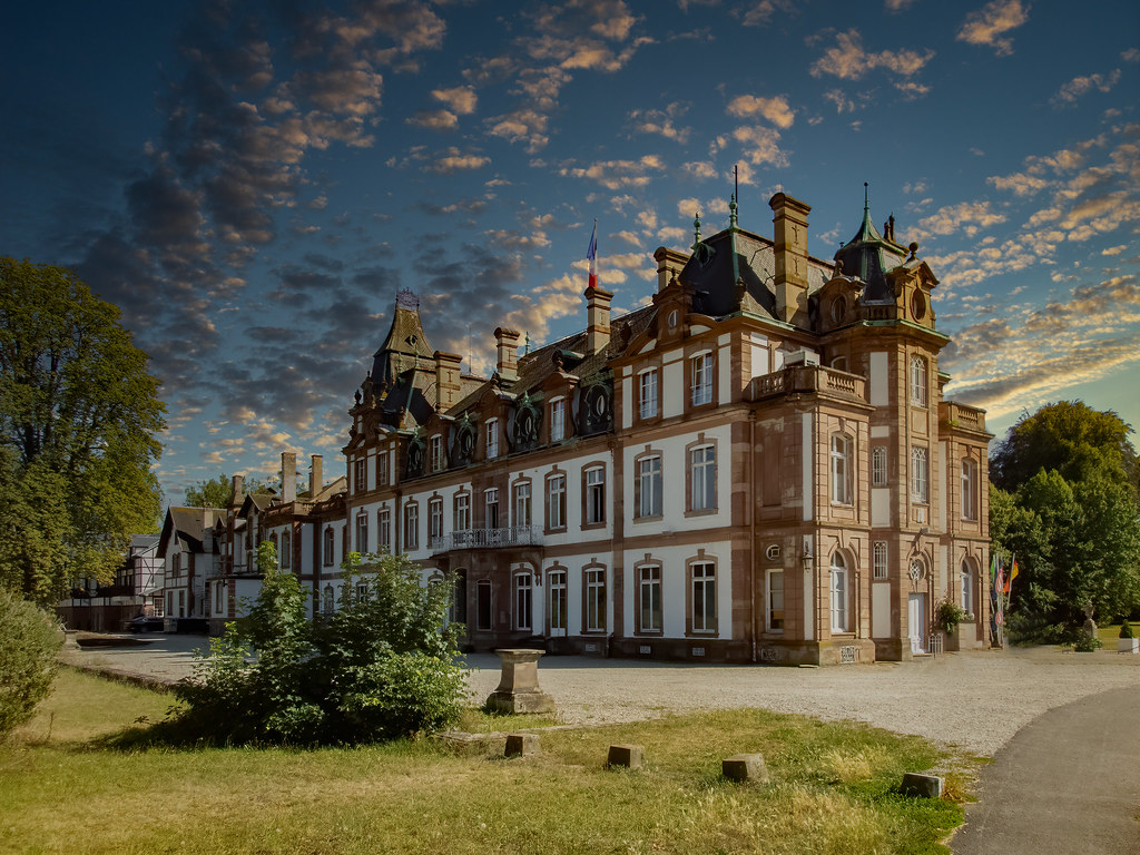 Fin d'après-midi sur le Château de Pourtalès... 50170554408_d5333ec606_b