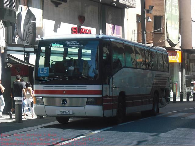 d1042 - Mercedes-Benz O404