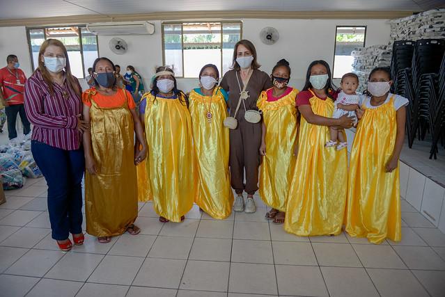 30.07.20 Primeira - dama entrega Kits de higiene e cestas básicas a indígenas venezuelanos