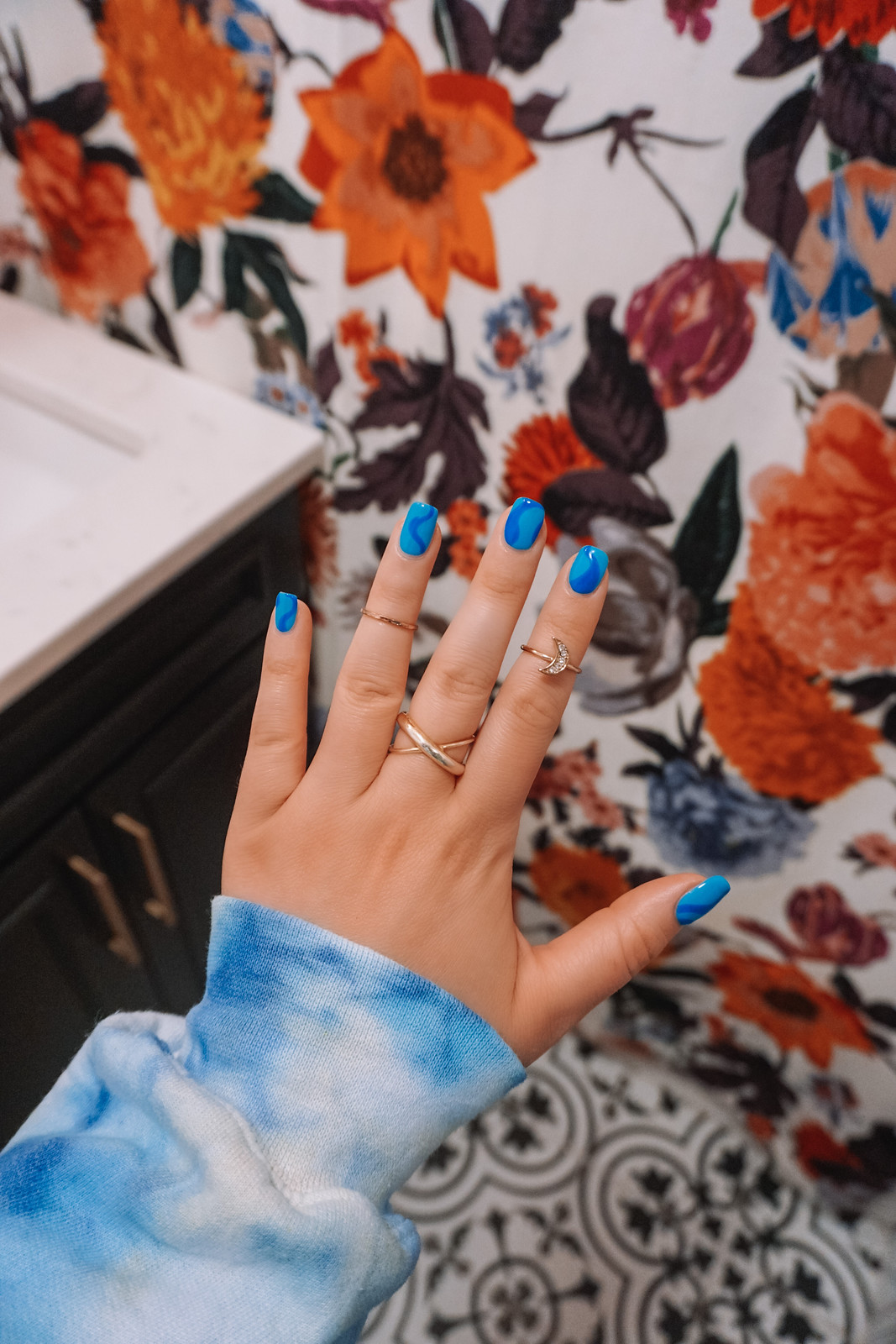 Manicure of the Month : Blue Wave Nail Design | Blue Squiggly Line Nail Art | Summer 2020 Nails | Manicure Ideas | Blue Mani | Color Gel Manicure | Nails 2020 Trends | Short Acrylic Nails