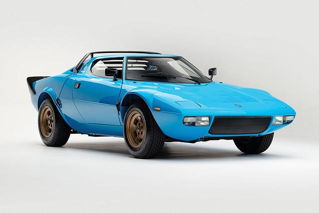 1975-Lancia-Stratos-HF-Stradale-by-Bertone_0