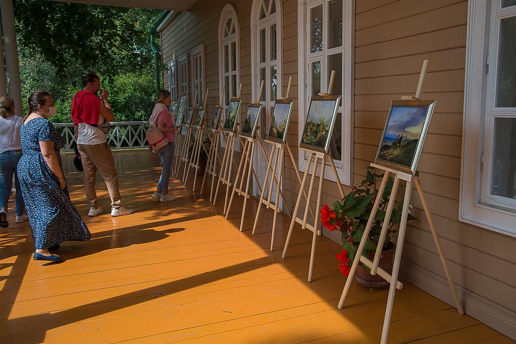 Выставка живописных работ М.Ю. Лермонтова на веранде барского дома