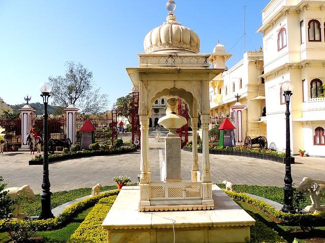 Fateh Prakash Palace_Udaipur_India 2491