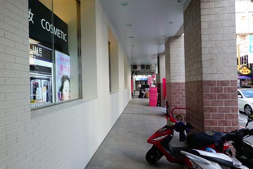 台中市中區寶雅POYA一樓走廊